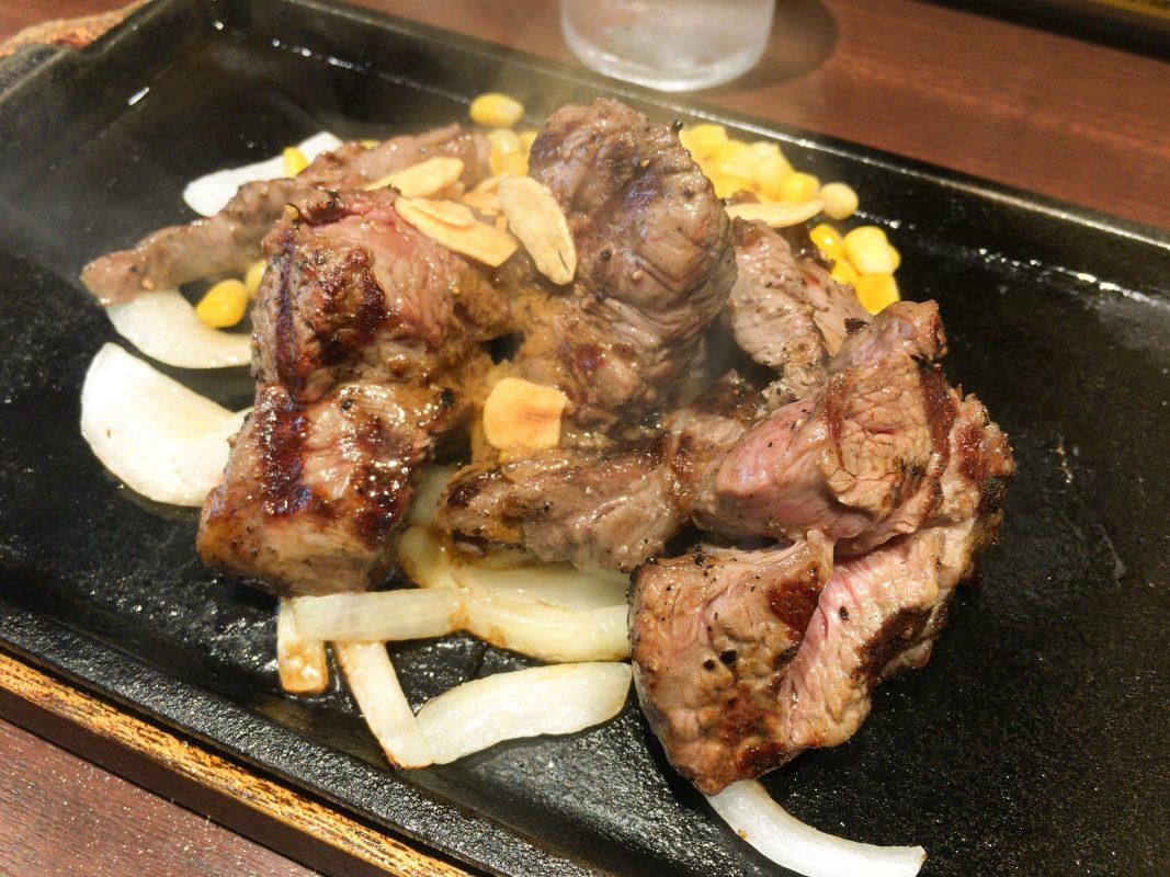 嗚呼、麗しの赤身肉。よぉ〜やくお目にかかれましたの『いきなりステーキ』。