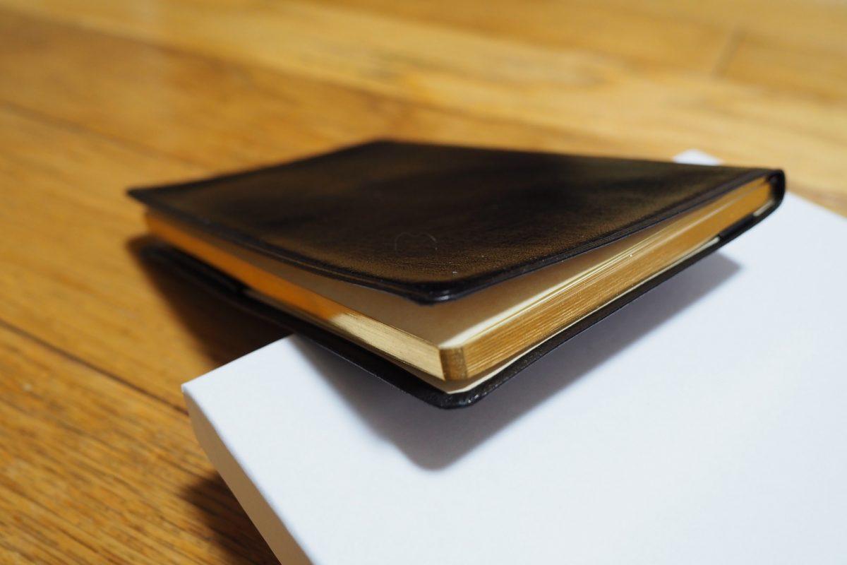 外見は能率手帳GOLD。中身はノートな能率手帳GOLDメモランダム。