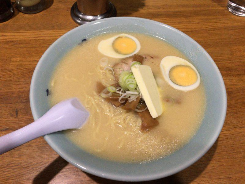 西新橋の老舗札幌ラーメンのお店『札幌や』さん。
