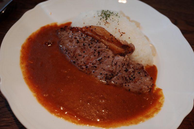 京大のカフェテリアでありがたく総長カレーをご相伴に預かりますm(._.)m