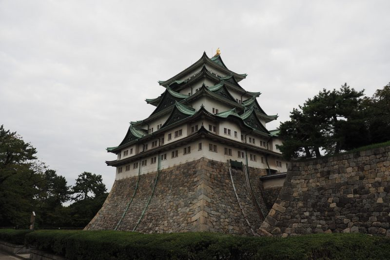 【名古屋旅行】新幹線で腹ごなしして、なにはともあれ名古屋城!