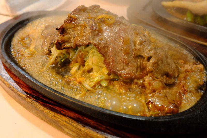 モヤさま的イキフンが香ばしい『レストランyuki』によぉ〜やく入店です。
