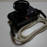 カメラのドレスアップにARTISAN&ARTISTの組紐ストラップ